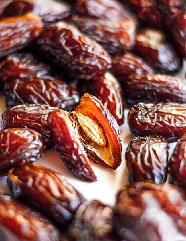 Iranian dates fruit - How to recognize the best Dates fruit? (Tips)